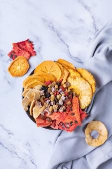Frutta secca cachi disidratati anguria ananas chips di mele