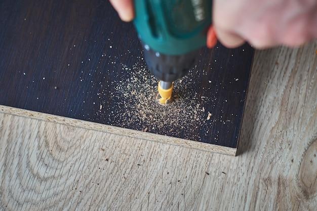 La punta del trapano sono tavole di perforazione, lavorazione del legno