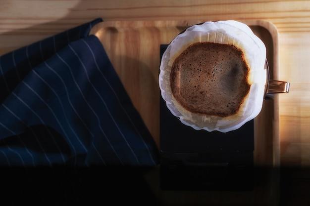 Caffè a goccia, attrezzatura per la preparazione del caffè, caffè nero al mattino
