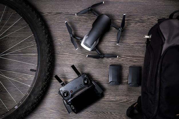 Drone e ruota di bicicletta Foto Premium