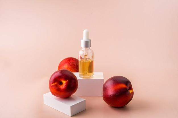 Goccia olio siero collagene idratante per viso sfondo chiaro morbido soft