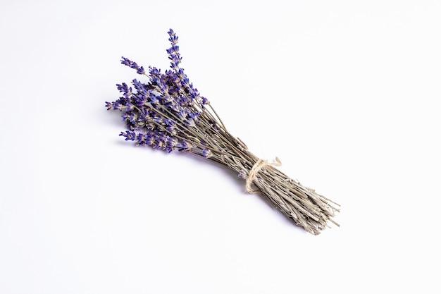 Ingrediente isolato bouquet di lavanda secca