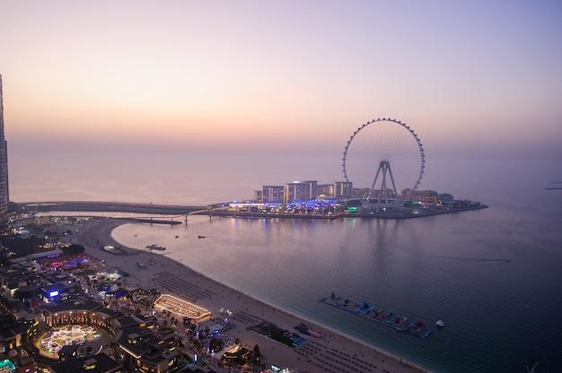 Dubai, emirati arabi uniti. dicembre del 25 del 2020 blue water island view, jbr