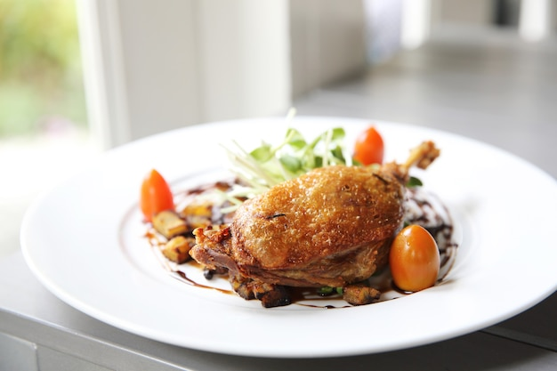 Anatra confit, anatra arrosto con salsa di mirtilli