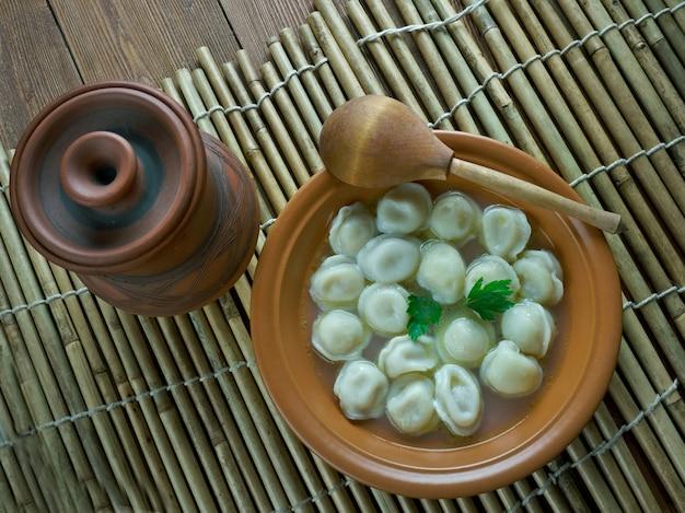 Dushbara - piatto tradizionale azero di gnocchi