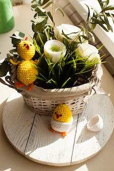 Decorazioni pasquali - pulcini all'uncinetto dal guscio d'uovo