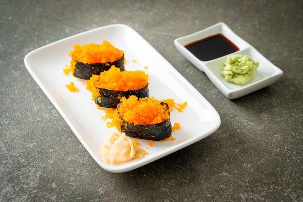 Ebiko sushi o sushi di uova di gamberetti - stile di cibo giapponese
