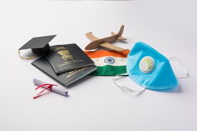 Educazione concetto di viaggio e turismo negli indiani bloccati dalla pandemia della corona che tornano in india o migrano in un altro paese per studi in un paese straniero
