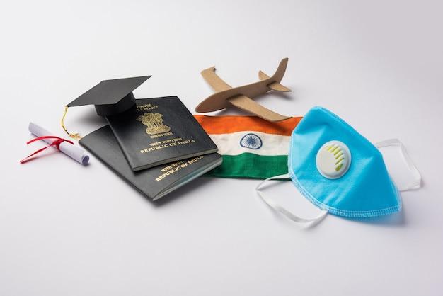 Istruzione concetto di viaggio e turismo nella pandemia della corona - indiani bloccati che tornano in india o migrano in un altro paese per studi in un paese straniero