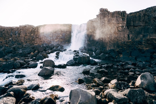 Ehsaraurfoss cade sul fiume ehsarau la faglia silfra la valle di tingwedlire in islanda