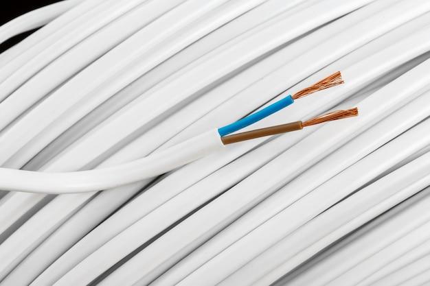 Primo piano di cavi elettrici