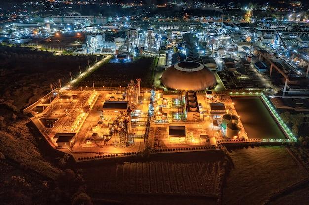 Illuminazione della sottostazione della centrale elettrica, imballaggi in carta di produzione orientati all'esportazione e industria ondulata di notte