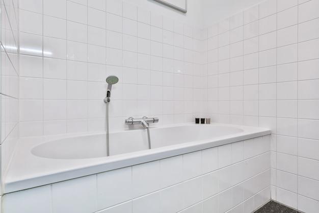 Design elegante del bagno