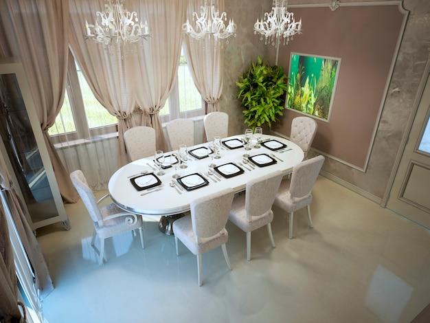 Pranzo elegante con grande tavolo servito