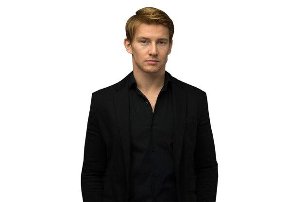 Elegante giovane uomo bello. ritratto di moda in studio.
