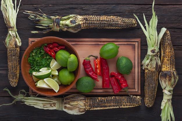 Elote, pannocchia, butta, insalata di mais, mais, ricetta, gustosa grigliata, burro, insalata di fagioli ricetta, parmigiano grattugiato