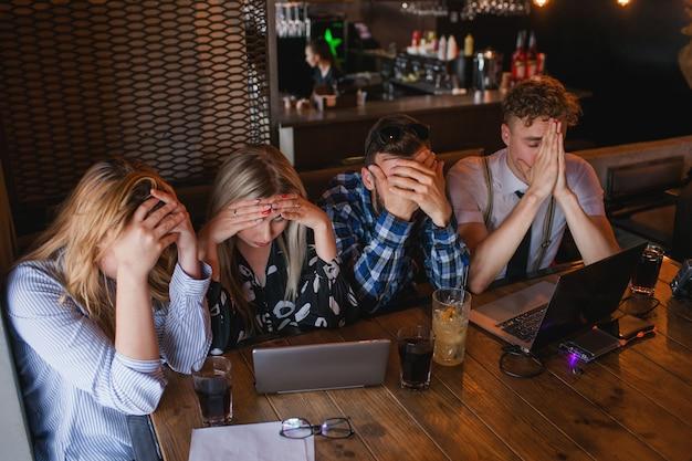 Emozione stress problema frustrazione disperazione fallimento concetto
