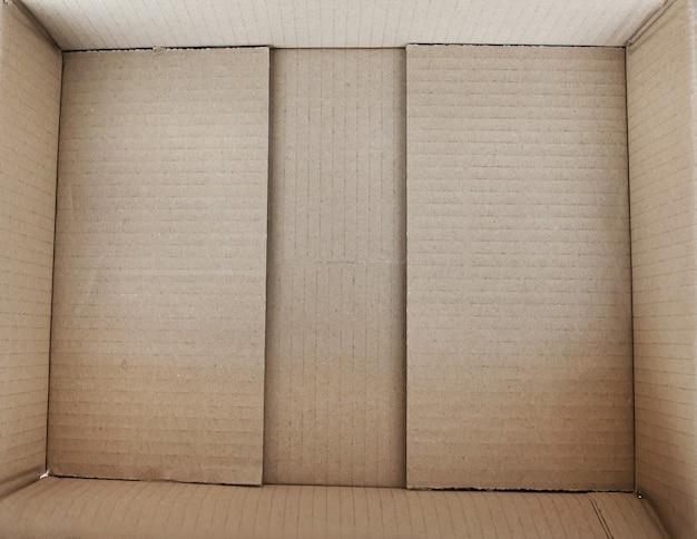 Scatola di cartone vuota, vista interna. spazio vuoto per carico, pacco e regalo.