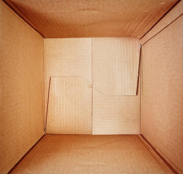 Scatola di cartone vuota, vista interna