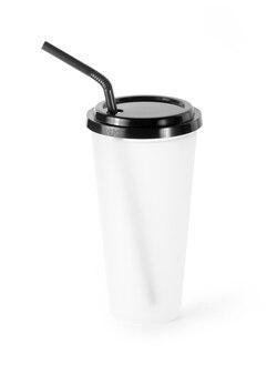 Tazza di caffè vuota su sfondo bianco.