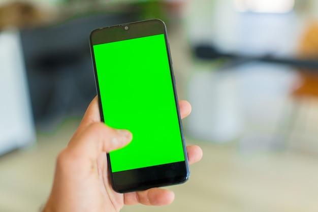 Schermo verde vuoto dello smartphone