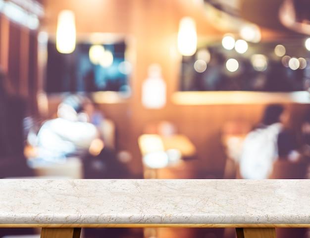 Svuoti il piano d'appoggio di marmo bianco di lusso con il caffè del giardino vago