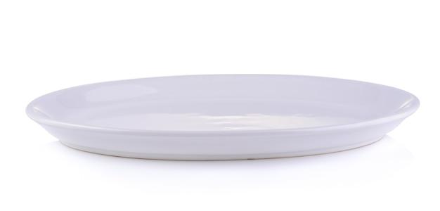 Piatto vuoto isolato su un bianco