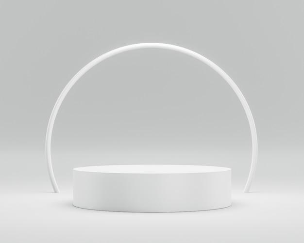 Esposizione vuota del piedistallo o del podio su fondo bianco con l'anello del cerchio e concetto di successo.