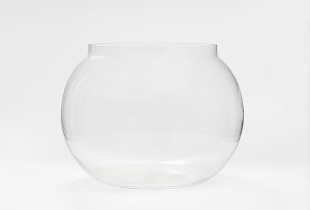 Acquario di vetro rotondo vuoto. articoli e accessori per animali da compagnia. acquario per pesci e come elemento di arredo, vaso.