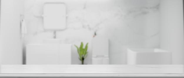 Spazio vuoto sul ripiano del tavolo per montare il prodotto con lo sfondo del bagno bianco moderno in marmo sfocato