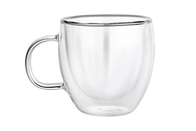 Tazza da tè o caffè in vetro trasparente a doppia parete vuota isolata su priorità bassa bianca