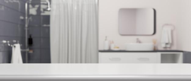 Ripiano del tavolo bianco vuoto per il montaggio del prodotto su rendering 3d interno del bagno moderno sfocato