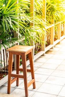 Sedia di legno vuota