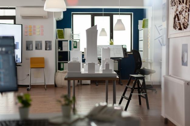 Posto di lavoro vuoto per attività di architettura