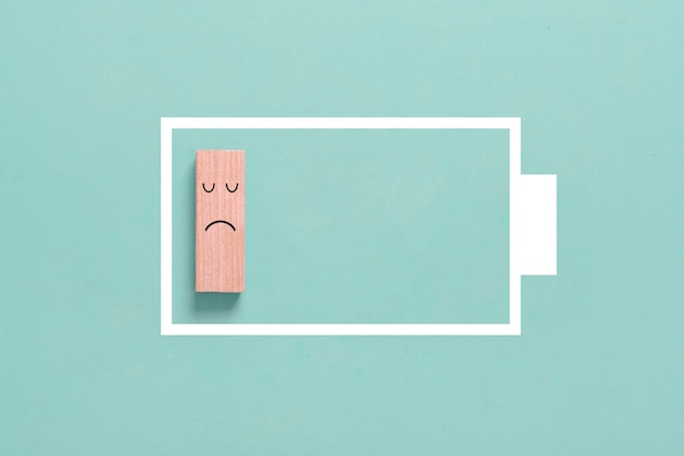 Concetto di energia: simbolo di mancanza di energia o batteria scarica
