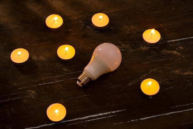 Risparmio energetico. concetto per l'ora della terra, un'ora senza luce