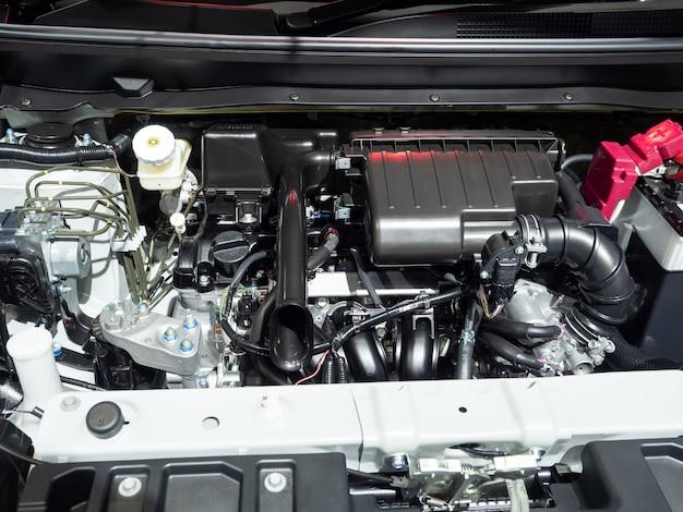 Interni motore dell'auto nuovi e lucenti