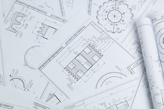 Disegni tecnici di parti e meccanismi industriali
