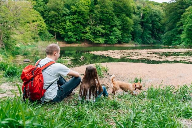Godersi nella natura Foto Premium