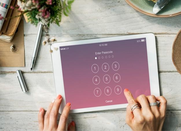 Inserisci il concetto di sistema di sicurezza con codice di accesso