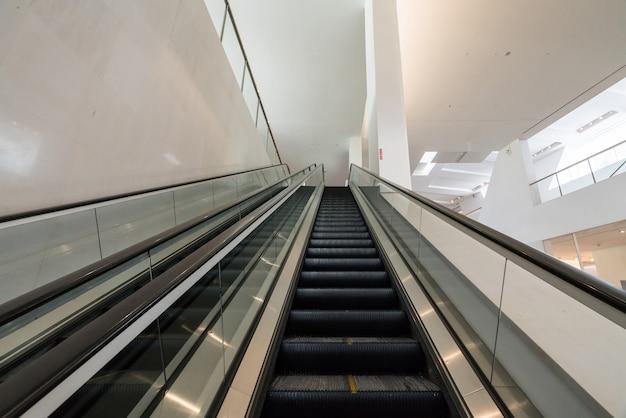 La scala mobile è nel centro commerciale
