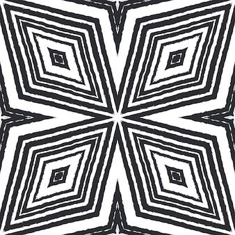 Motivo etnico dipinto a mano. sfondo nero caleidoscopio simmetrico. abito estivo etnico piastrelle dipinte a mano. stampa eccezionale pronta per tessuti, tessuto per costumi da bagno, carta da parati, avvolgimento.