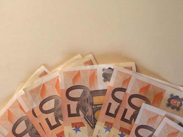 Banconote in euro (eur), unione europea (ue) con copia spazio