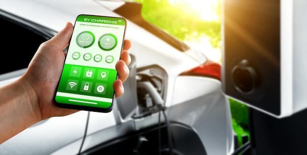 Stazione di ricarica per veicoli elettrici per auto elettriche con stato del caricatore di visualizzazione dell'app mobile
