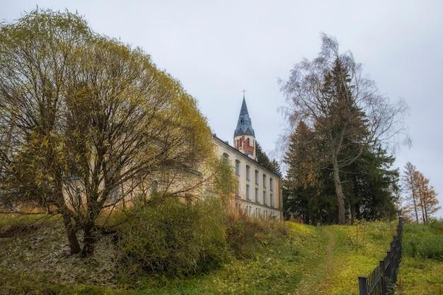 Chiesa evangelica luterana di san pietro e paolo insediamento toksovo leningrado regione russia