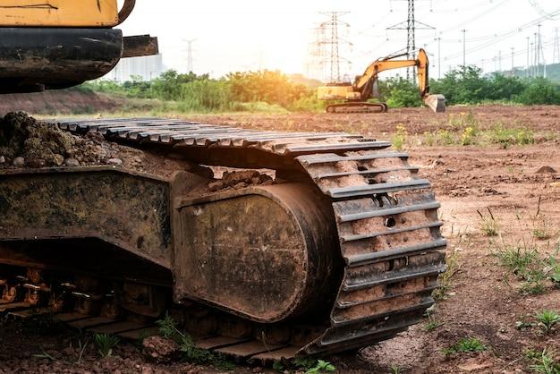 Escavatore nel sito