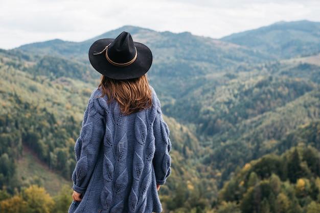 Esplora il vero stile di vita selvaggio dei viaggi Foto Premium