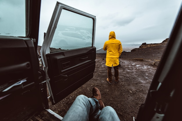 Esplora il tour islandese, viaggiando attraverso l'islanda alla scoperta di destinazioni naturali