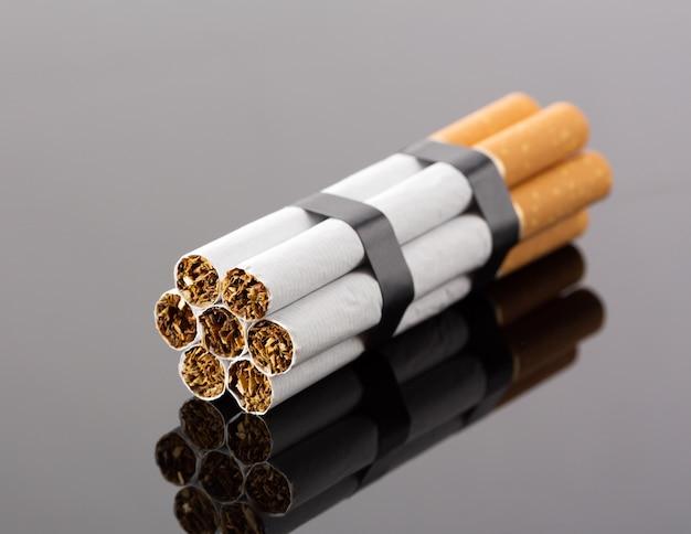 Esplosivi dalle sigarette, foto in studio