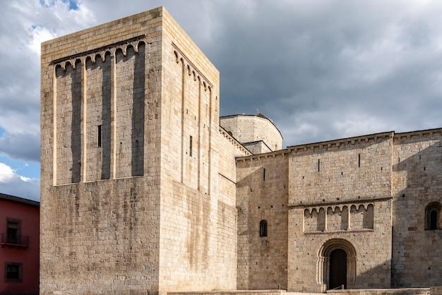 Esterno della cattedrale di la seu d' urgel in catalogna, spagna.